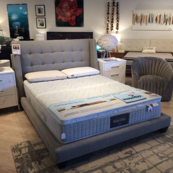 Shaw Queen Bed