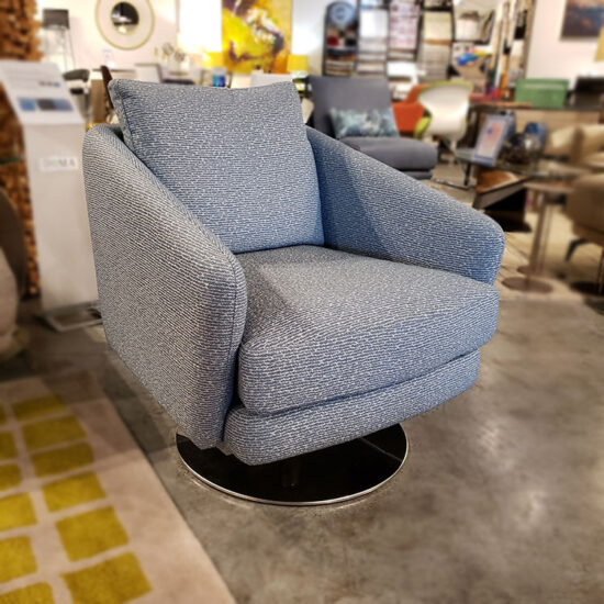Della Robbia Regis Swivel Chair