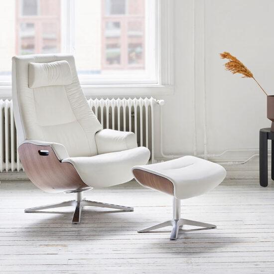 Conform Partner Swivel Recliner in White Leather
